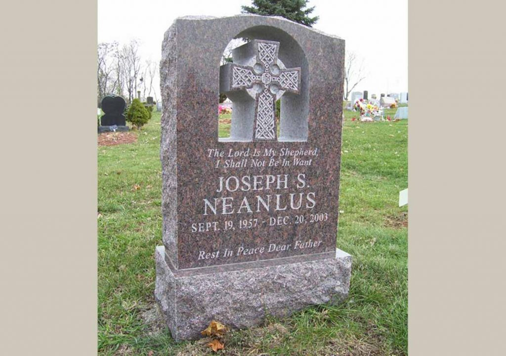 REVSingle monument-Christian-Catholic-Irish-Jeanlus